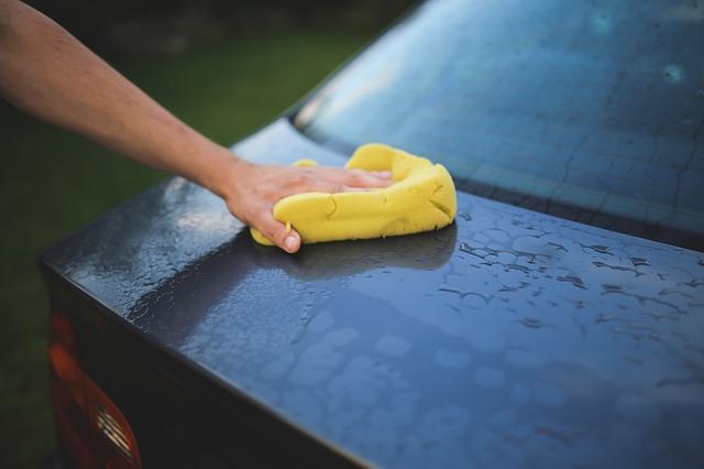 Otthon mosod az autódat? Elmondjuk, miért ne tedd többé!