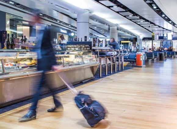 Zöld étkezésre kapcsol a Heathrow reptér