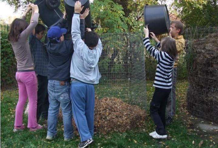 Óvodák és iskolák, közösségi kertek – ismét itt a Komposzt Ünnep, jelentkezzetek!